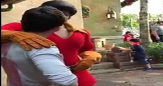 World's Gaston To A Push Up Contest