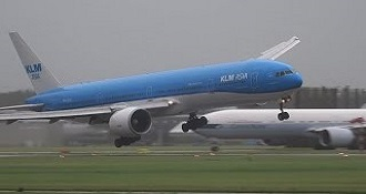 Landing B777 Tossed Around By The Wind