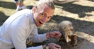 Americans Meet Australian Wildlife For The First Time