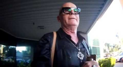 Angry Mom Confronts Katy Perry's Dad