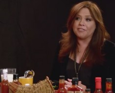 Rachael Ray Eats Extremely Hot Sauce