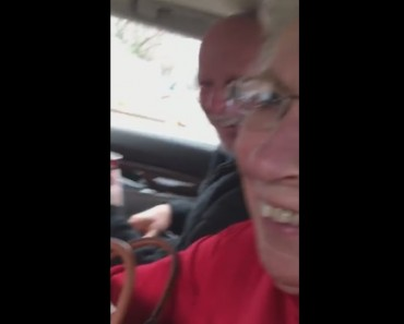 60 Year Old Surprise Visits His 80 Year Old Parents On Christmas
