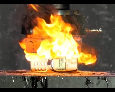 Crushing A Nokia 3310 With A Hydraulic Press